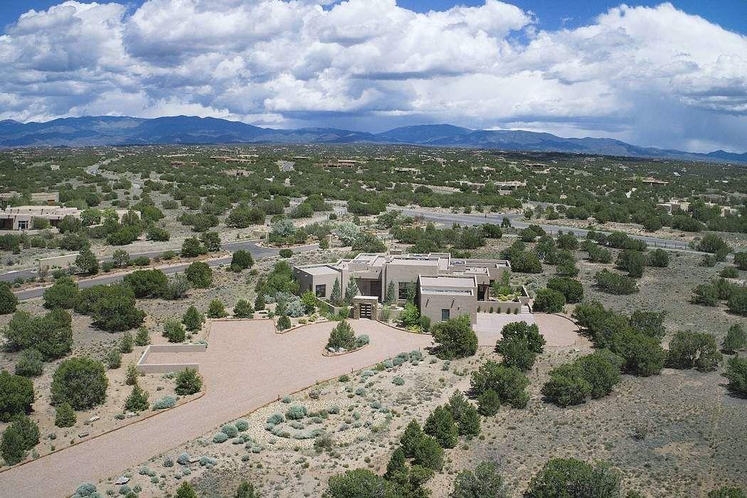 4 W Golden Eagle Road Santa Fe, NM 87506