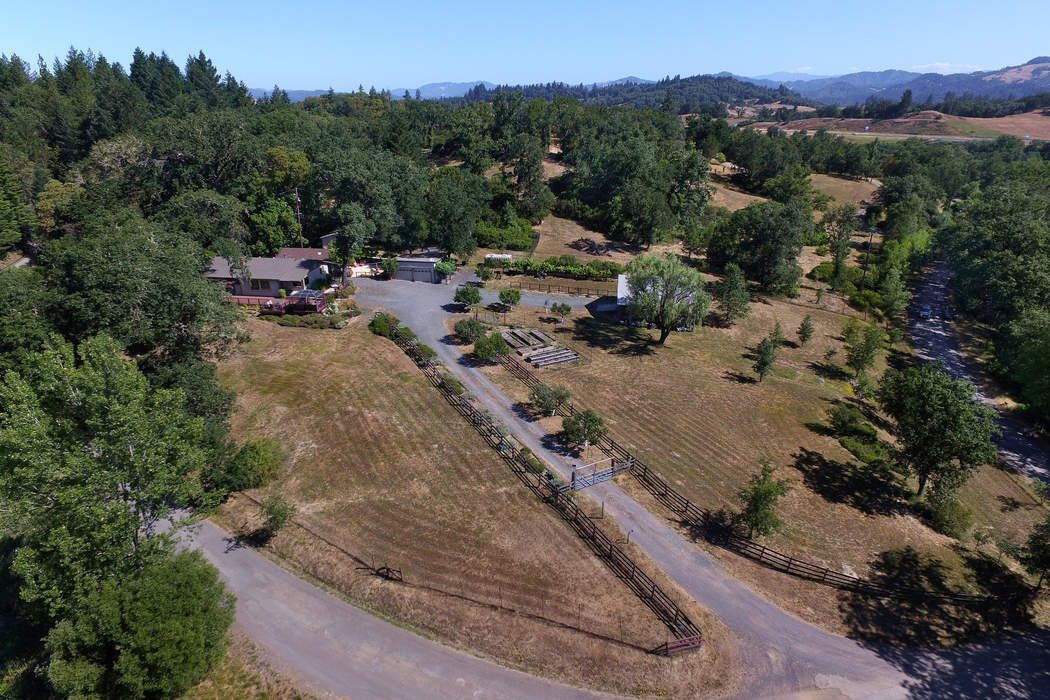 18400 Walker Rd Willits, CA 95490