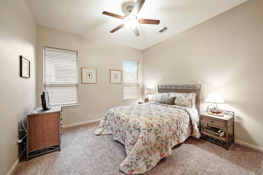 502 Harborside Way Kemah, TX 77565