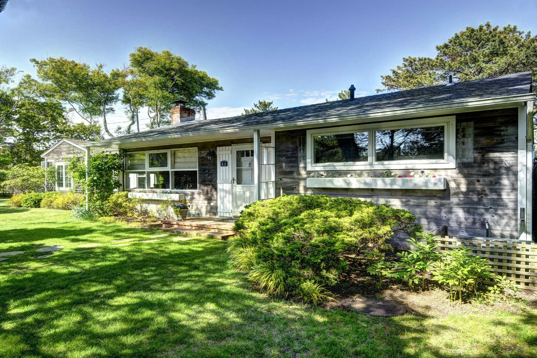 Amagansett Dunes Traditional