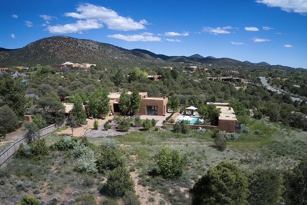 1000 Camino Pinones Santa Fe, NM 87505