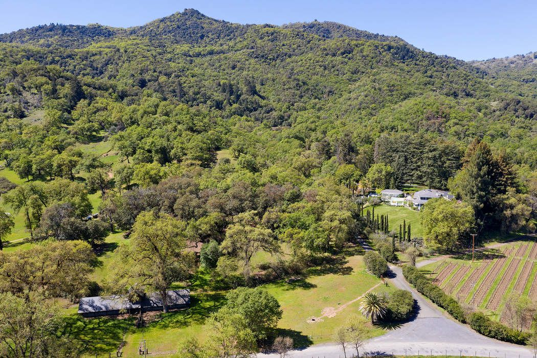 2002 Mcnab Ranch Rd Ukiah, CA 95482
