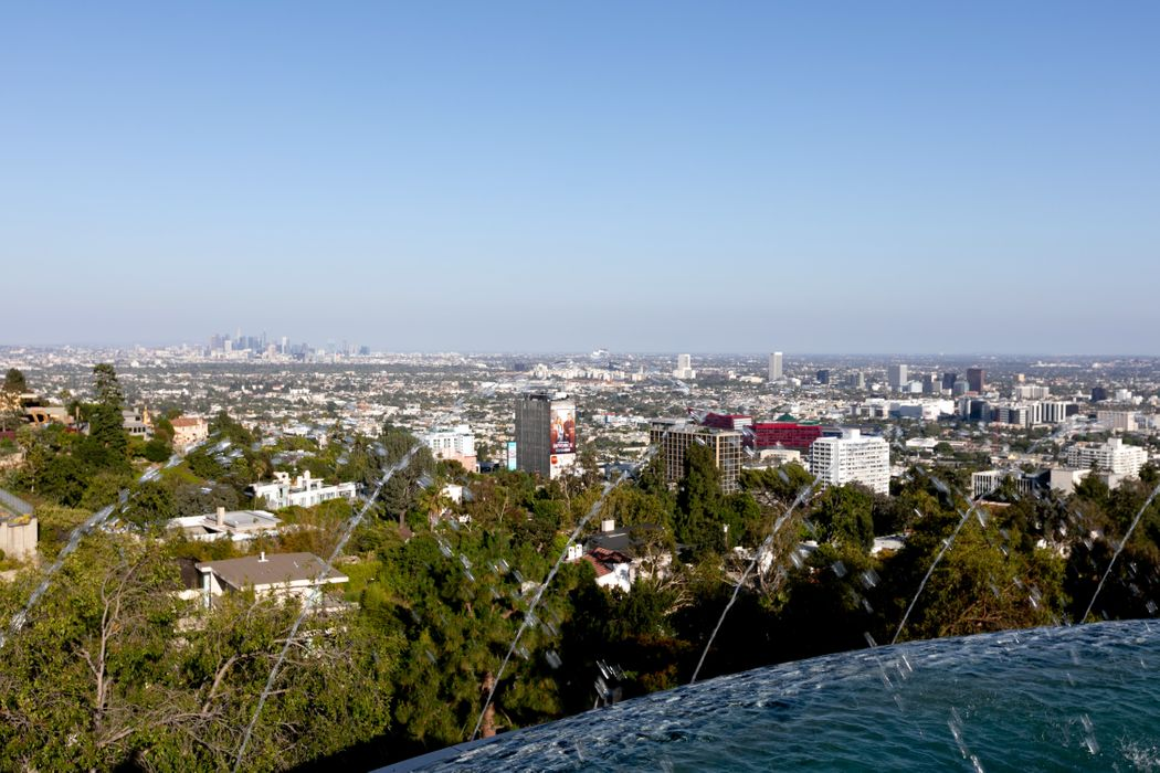 9380 Sierra Mar Drive Los Angeles, CA 90069