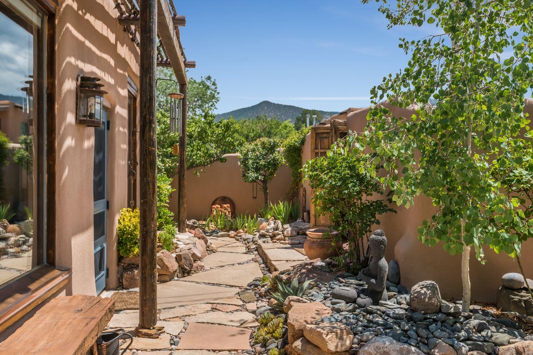 1212 1/2 Canyon Road Santa Fe, NM 87501