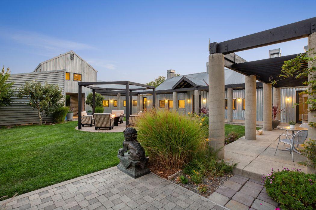 21620 Pearson Ave Sonoma, CA 95476