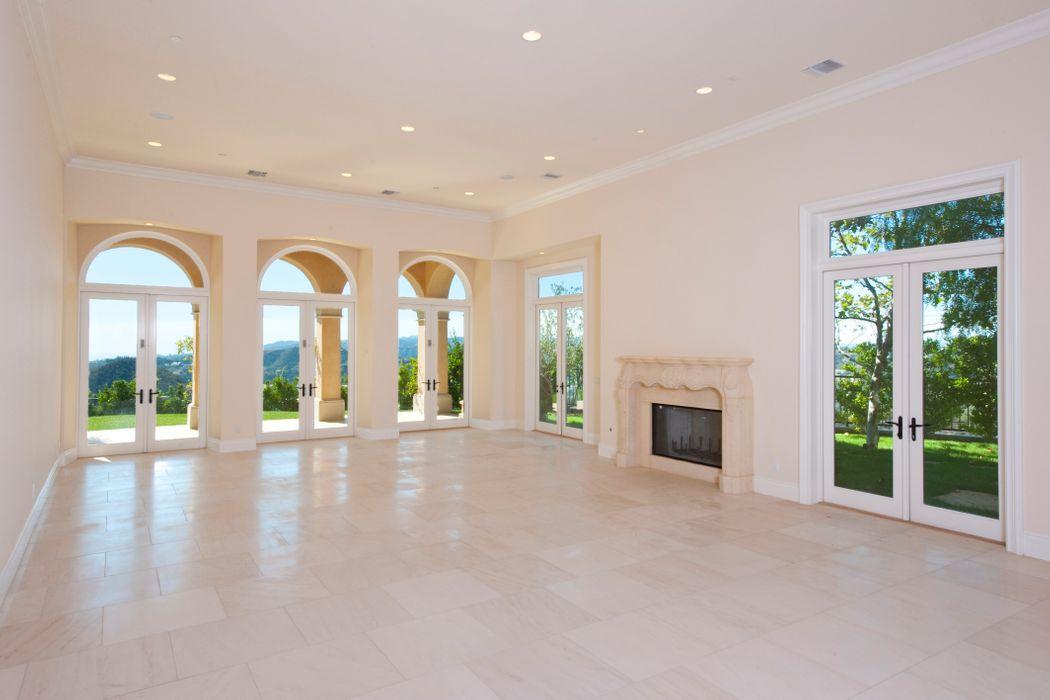 2600 Bowmont Drive Beverly Hills, CA 90210