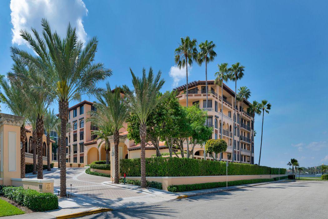 200 Bradley Pl Palm Beach, FL 33480