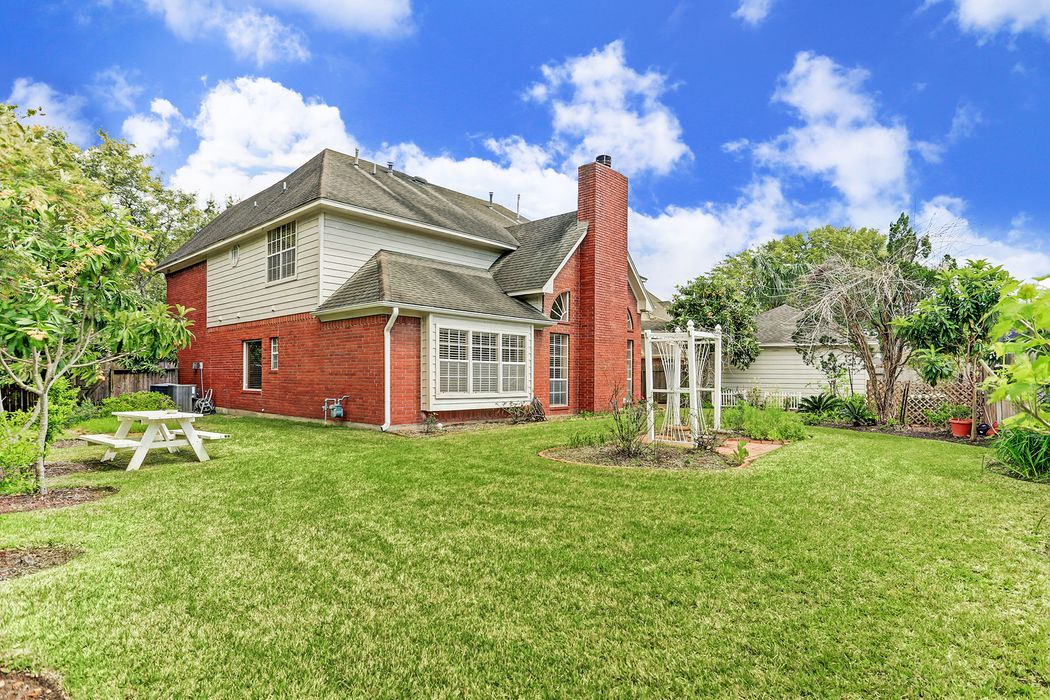 3915 Spring Bloom Court Sugar Land, TX 77479