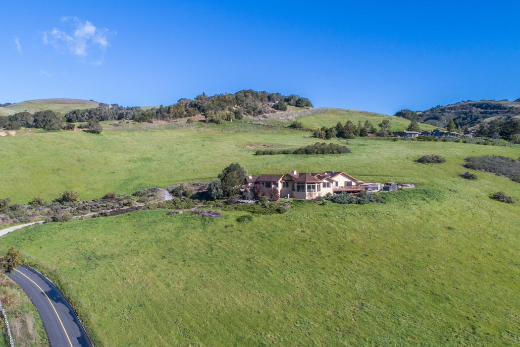 3 Oak Meadow Lane Carmel Valley, CA 93924