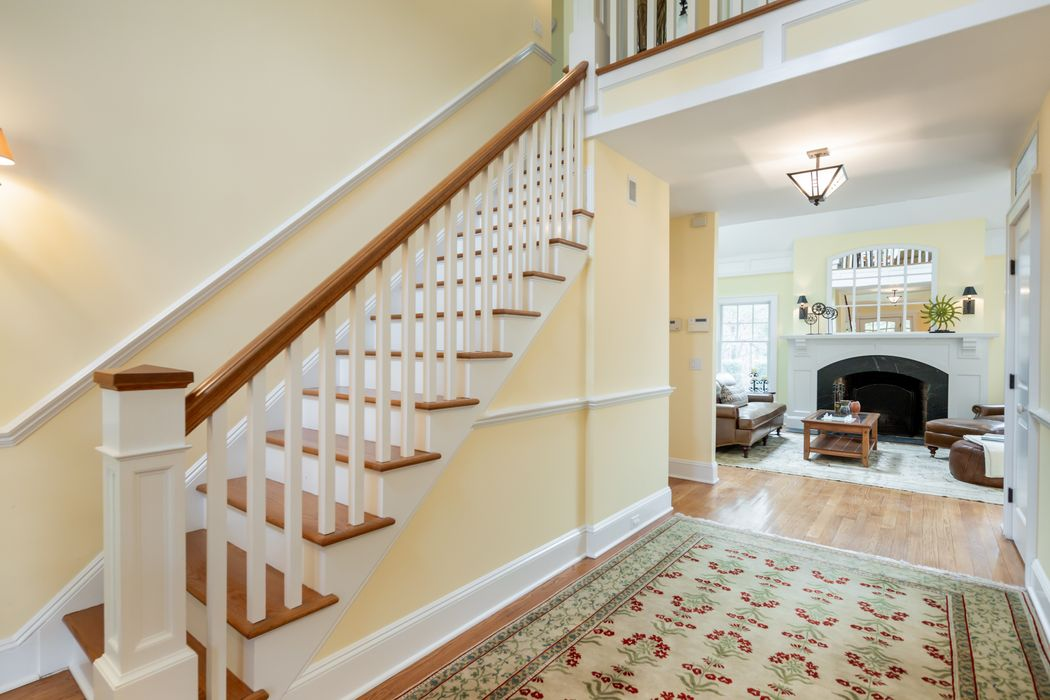 10 Hilltop Lane East Hampton, NY 11937