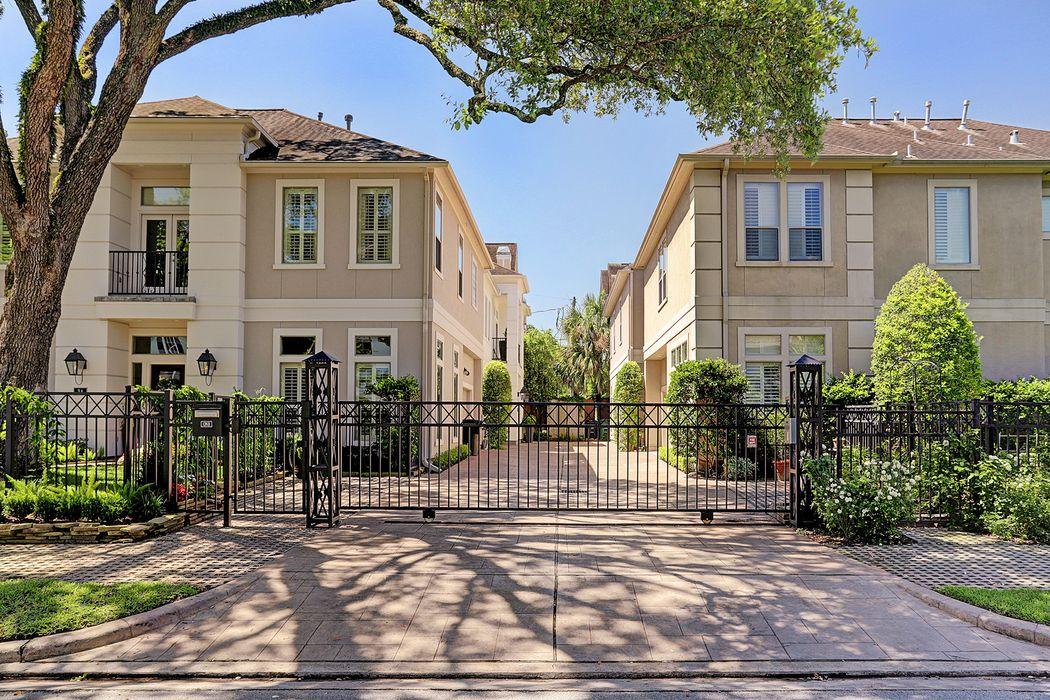 1 Hackberry Lane Houston, TX 77027