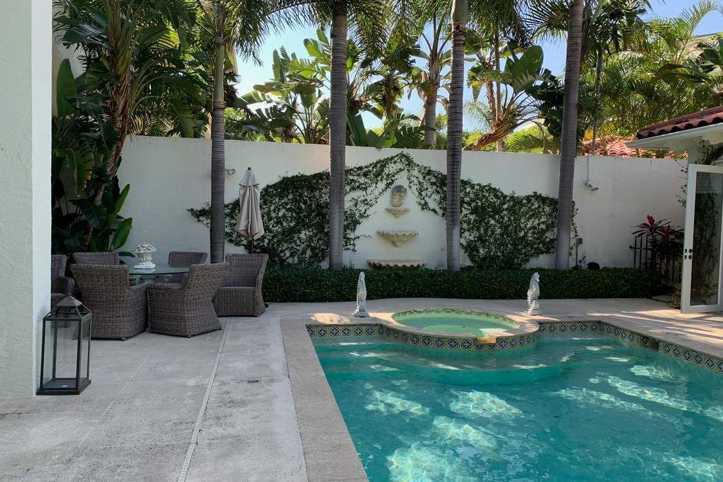 173 Sunset Ave Palm Beach, FL 33480