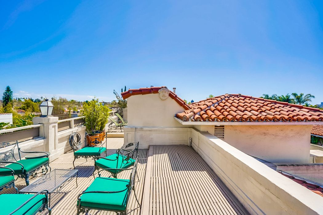 450 North Sycamore Avenue Apt 1 Los Angeles, CA 90036