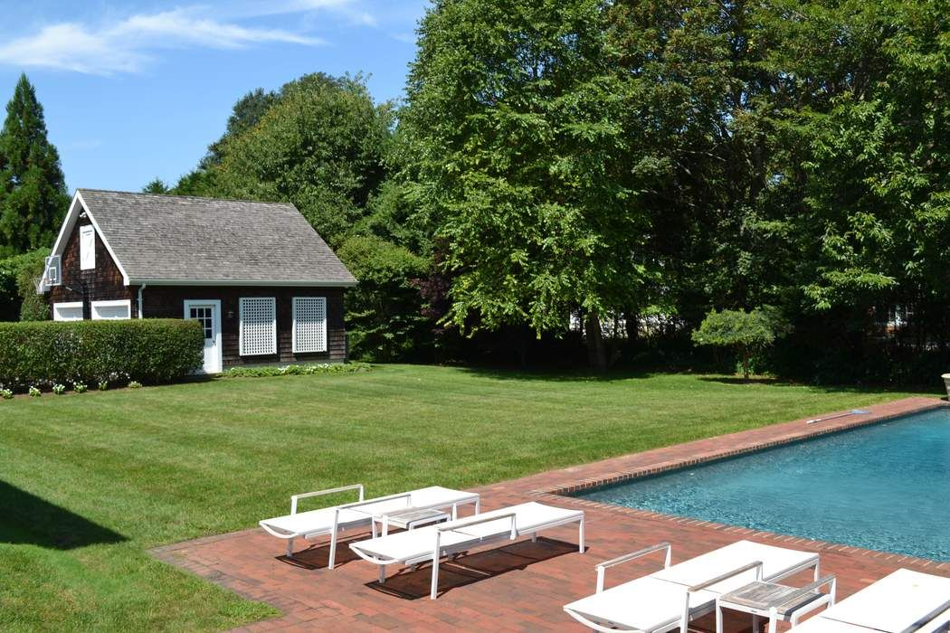 10 Borden Lane East Hampton, NY 11937