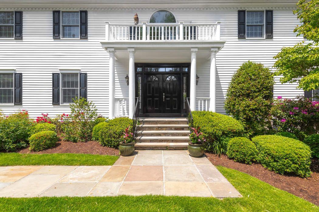 8 Rustic View Road Greenwich, CT 06830