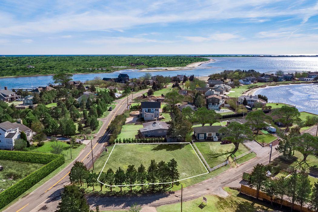 8 Middle Pond Lane Southampton, NY 11968