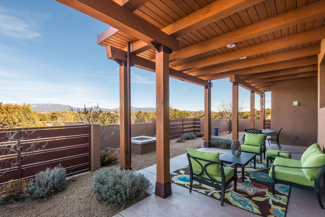 5 Rising Moon Santa Fe, NM 87506