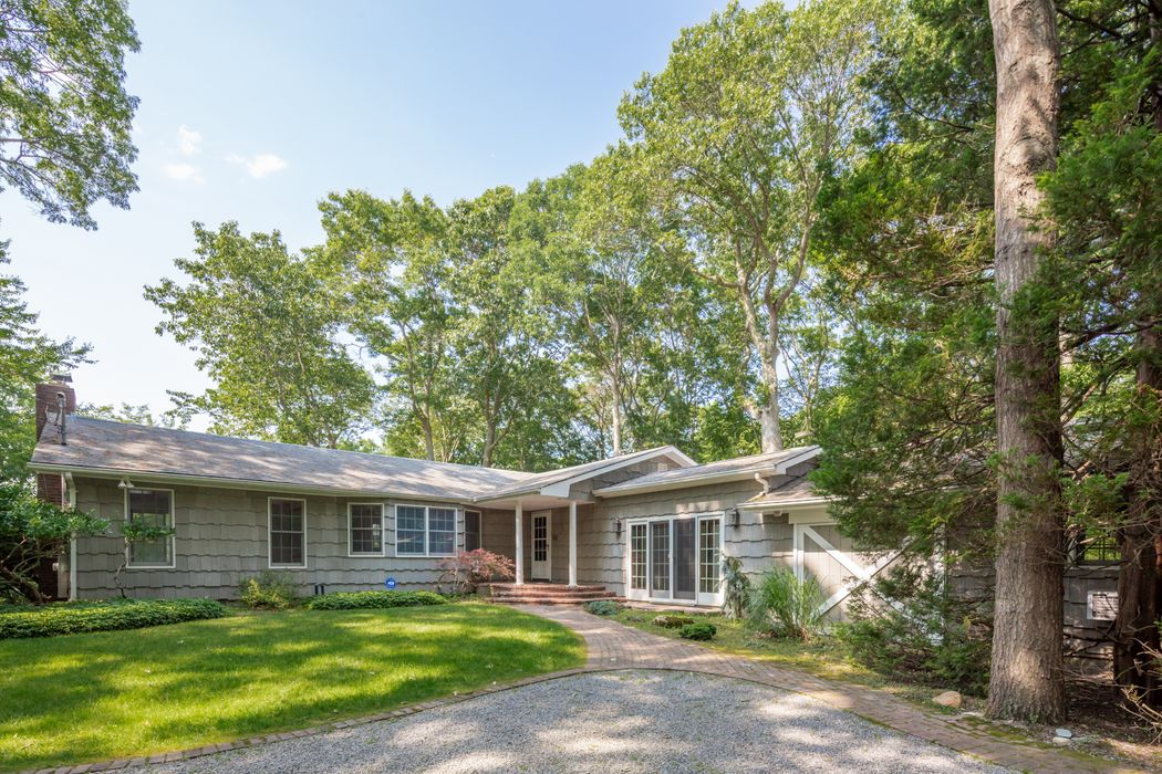 75 Round Pond Lane Sag Harbor, NY 11963