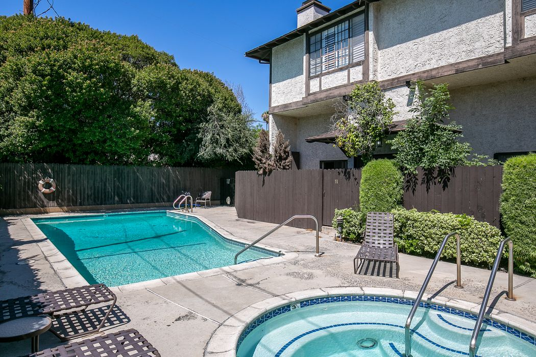 402 El Centro Street South Pasadena, CA 91030