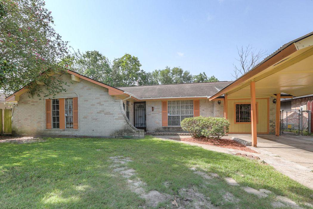 1019 Cherry Spring Drive Houston, TX 77038