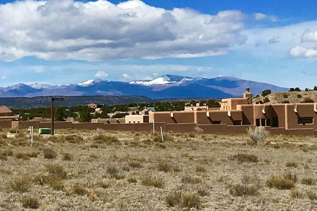 3 Plaza Ortega Lot 27 Santa Fe, NM 87506