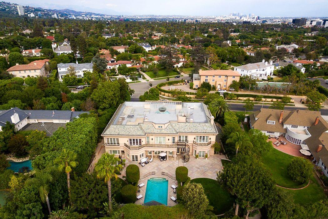 817 N. Whittier Drive Beverly Hills, CA 90210