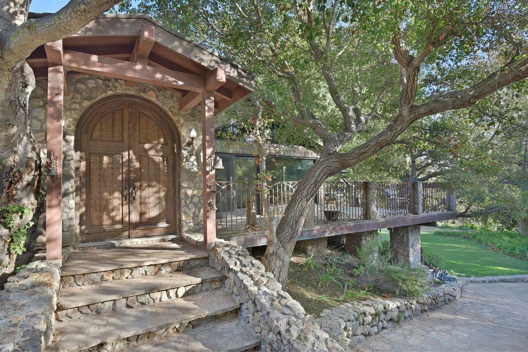 6208 Delaplane Road Malibu, CA 90265