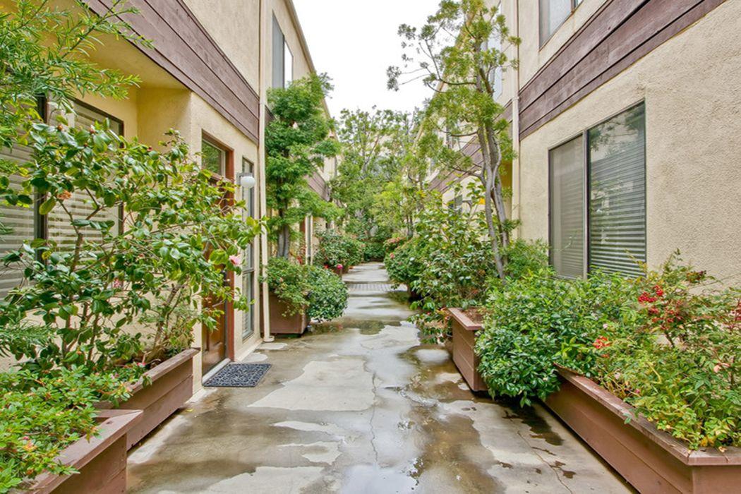 10793 Ashton Avenue Los Angeles, CA 90024