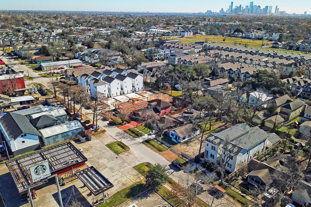 440 West 28th Street Houston, TX 77008