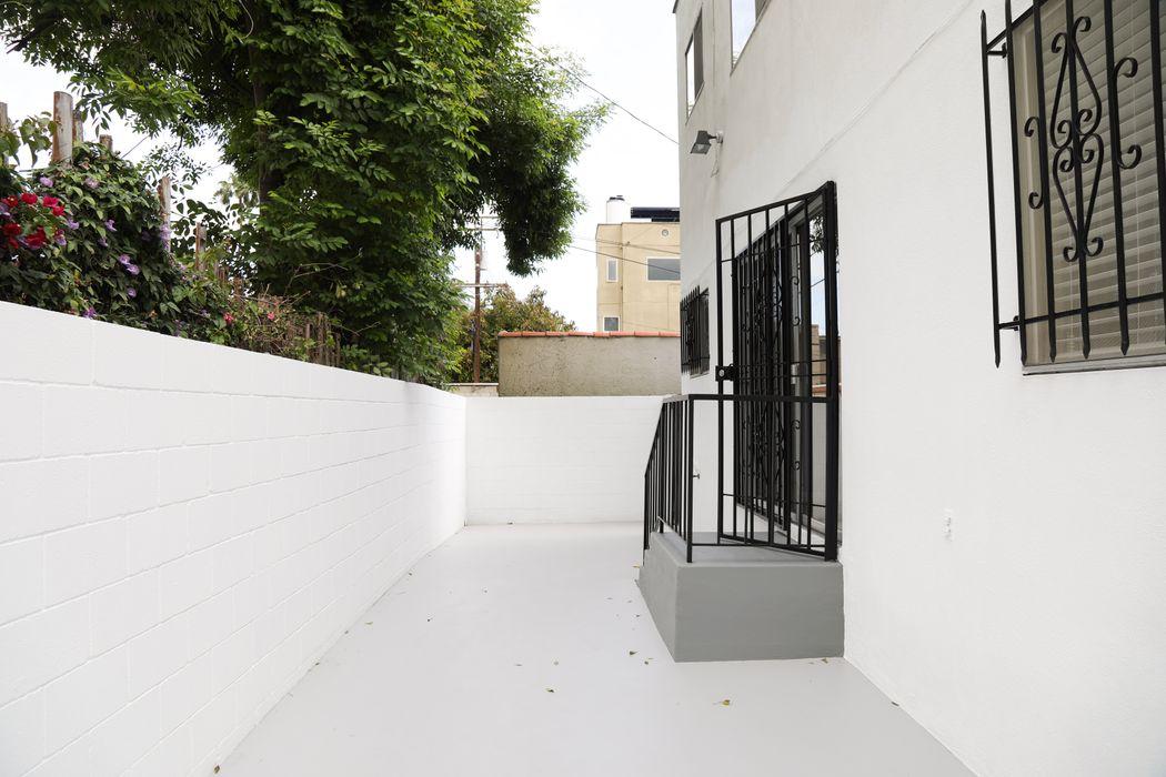 628 Huntley Drive West Hollywood, CA 90069