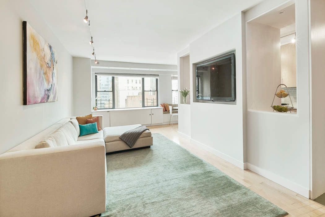 Mint 3 to 4 BR on the Prime UES