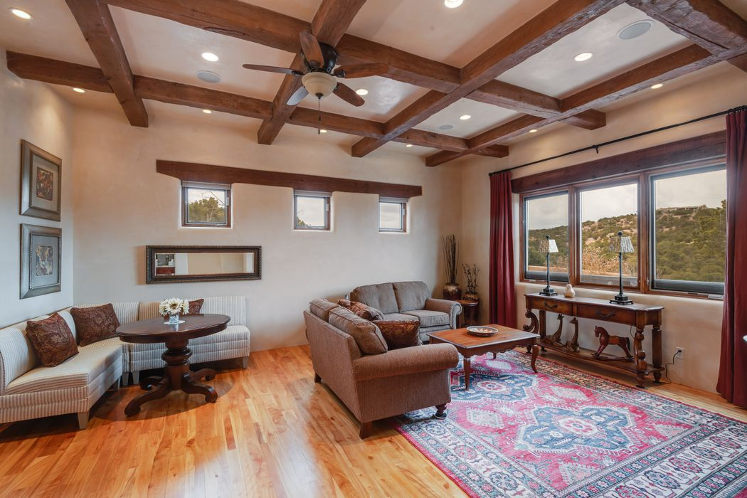 2975 Tesuque Overlook Santa Fe, NM 87506