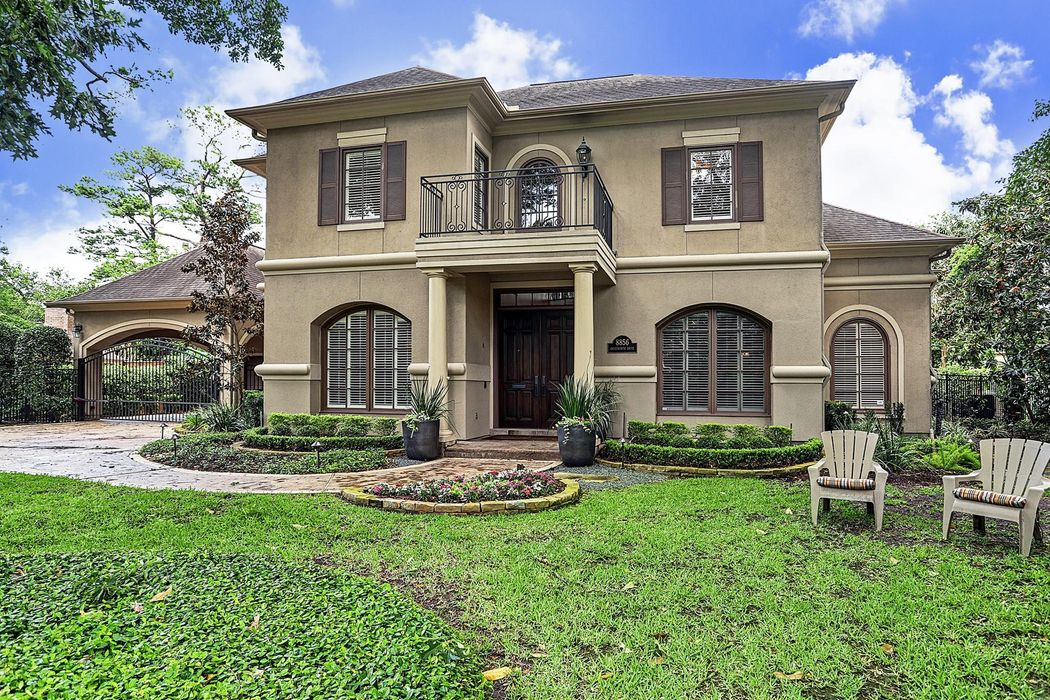 8856 Chatsworth Houston, TX 77024