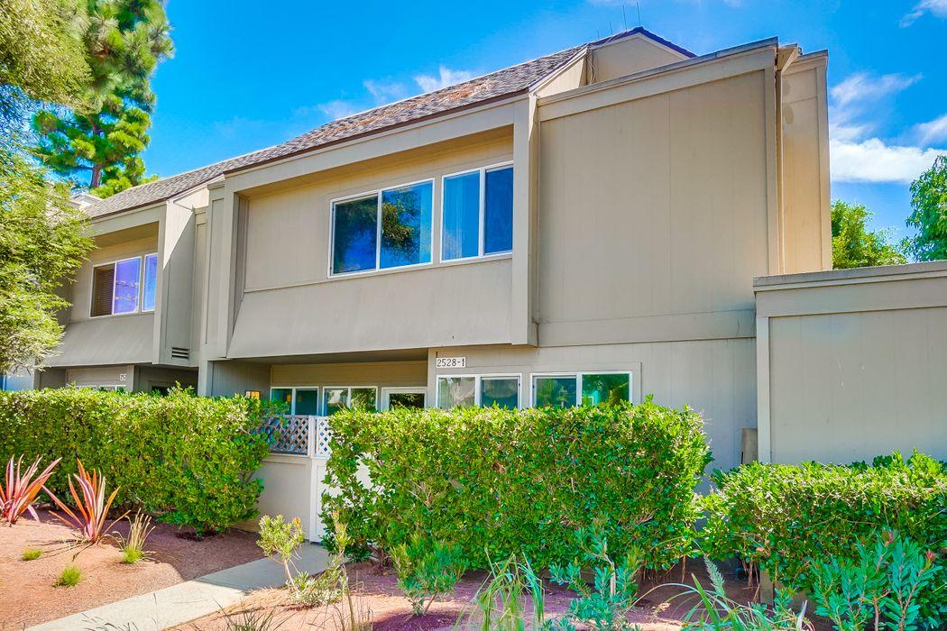 2528 Arizona Avenue #1 Santa Monica, CA 90404