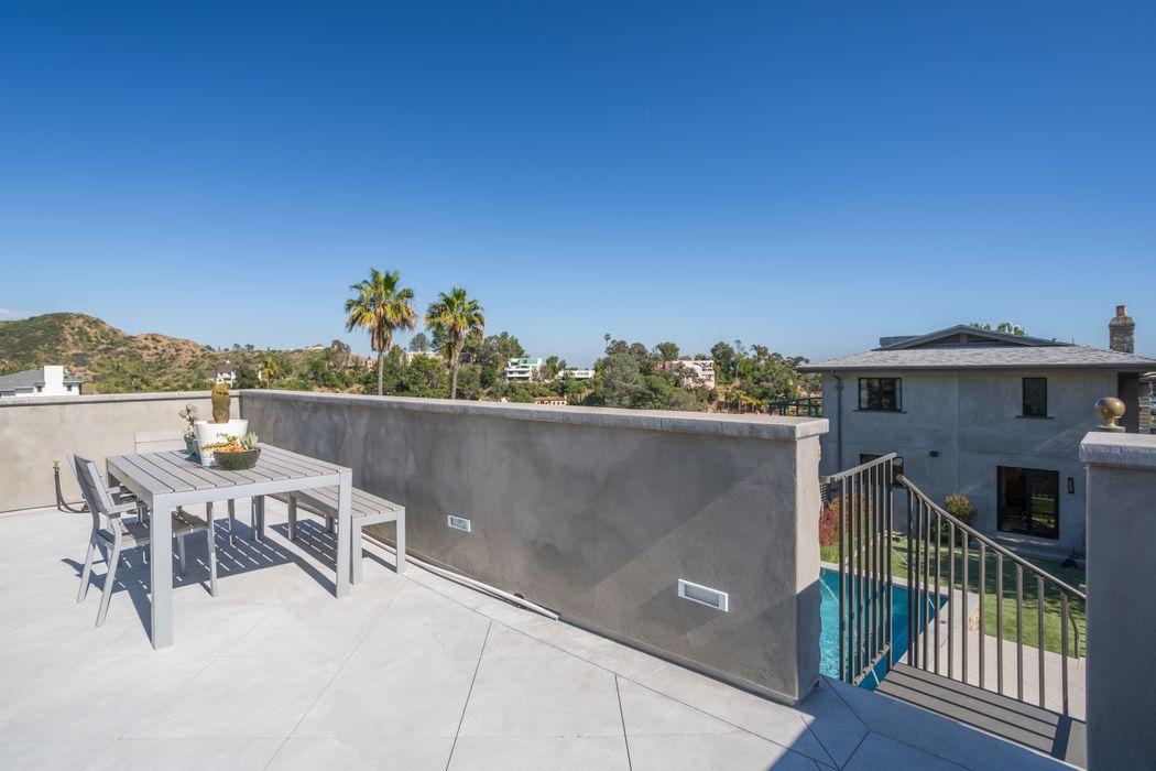6201 Rodgerton Drive Los Angeles, CA 90068