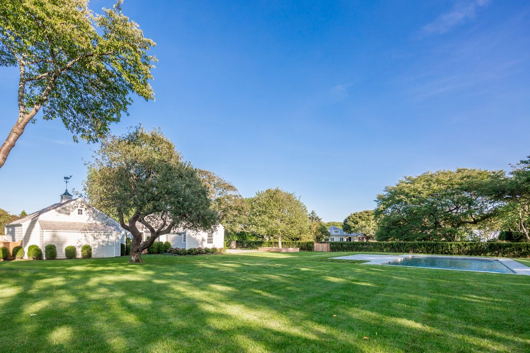 26 & 32 Windmill Lane East Hampton, NY 11937