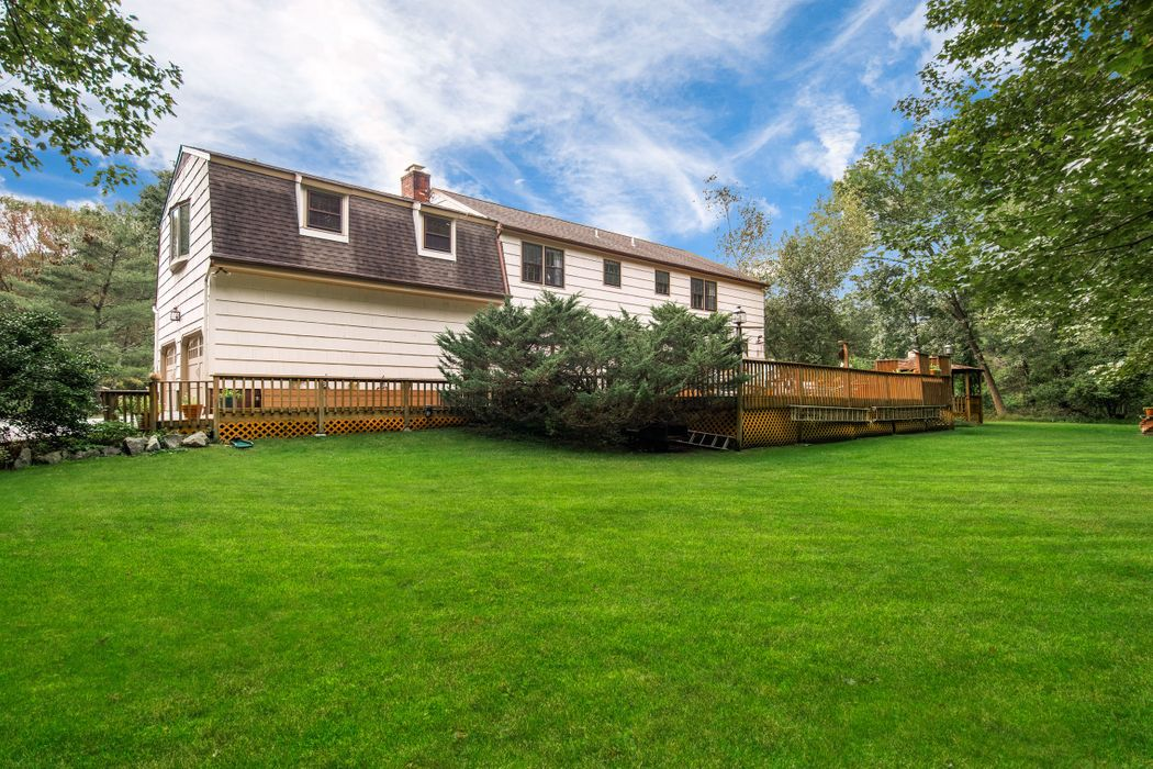 23 Shannon Lane Cos Cob, CT 06807