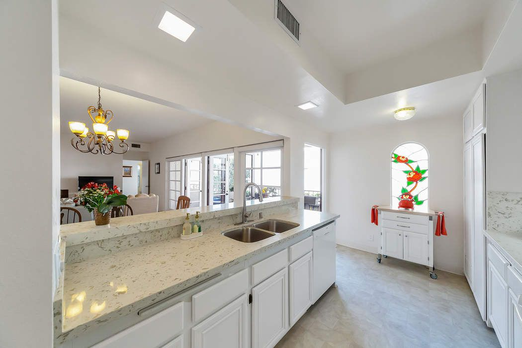 121 South Wilson Avenue Pasadena, CA 91106