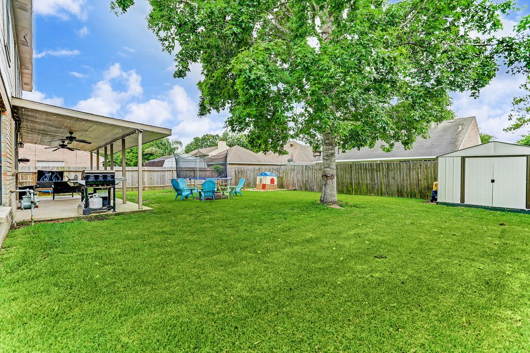 2710 Holly Springs Drive Pearland, TX 77584