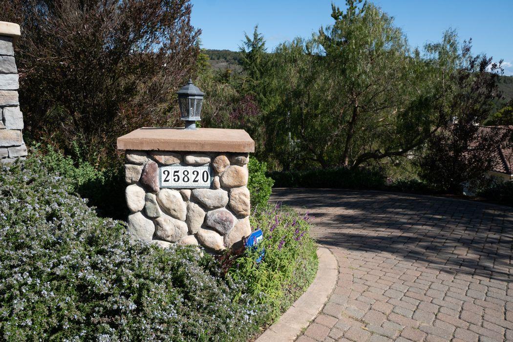 25820 Paseo El Cajon Monterey, CA 93940