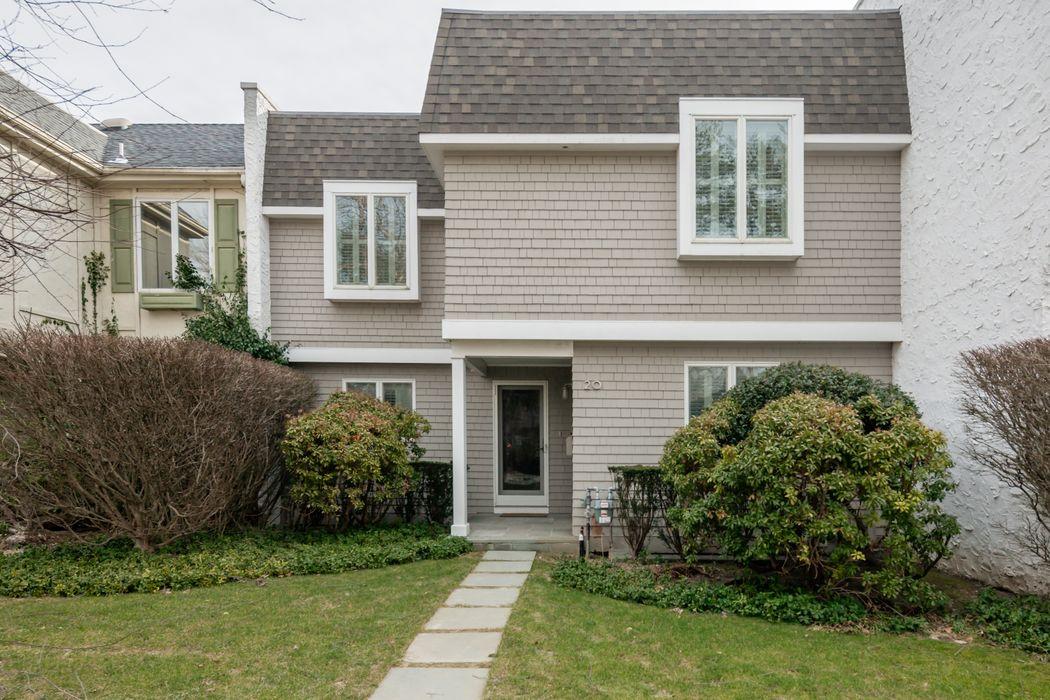 20 Gingerbread Lane East Hampton, NY 11937