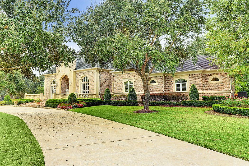 6903 Oak Knoll Drive Richmond, TX 77406