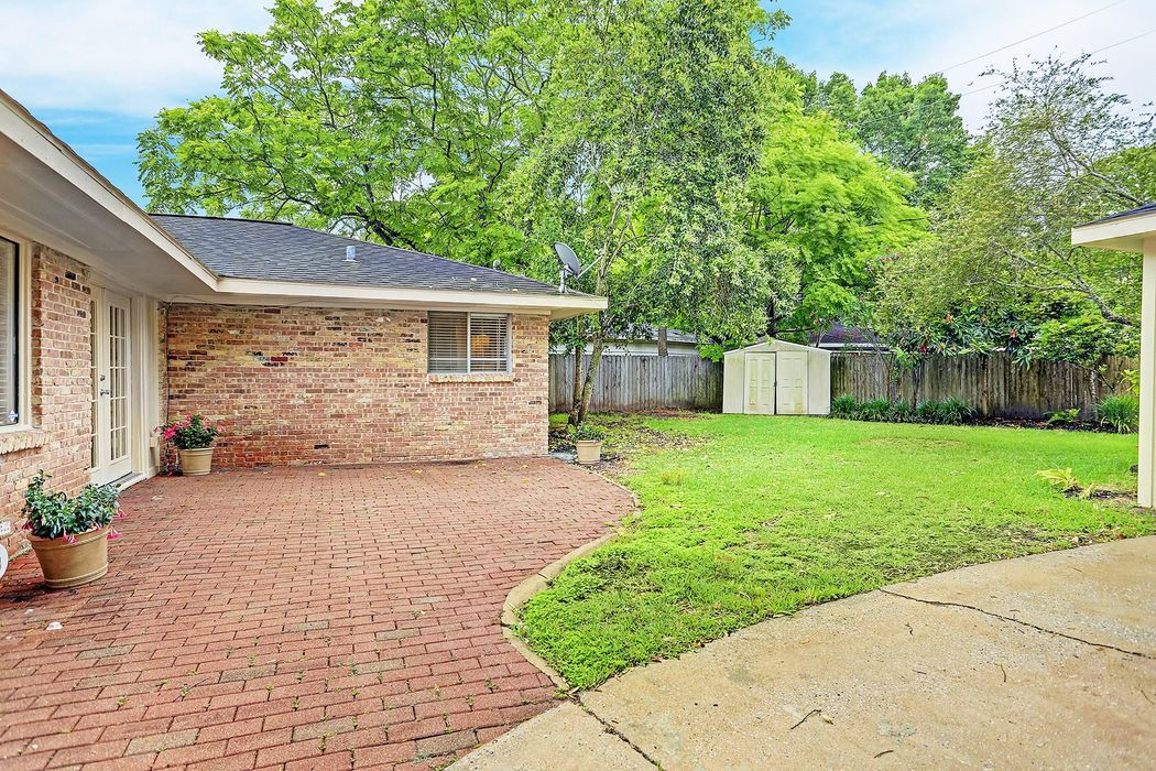 6015 Claridge Drive Houston, TX 77096
