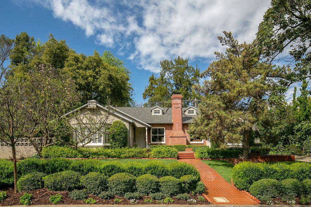 929 Mesa Verde Road Pasadena, CA 91105