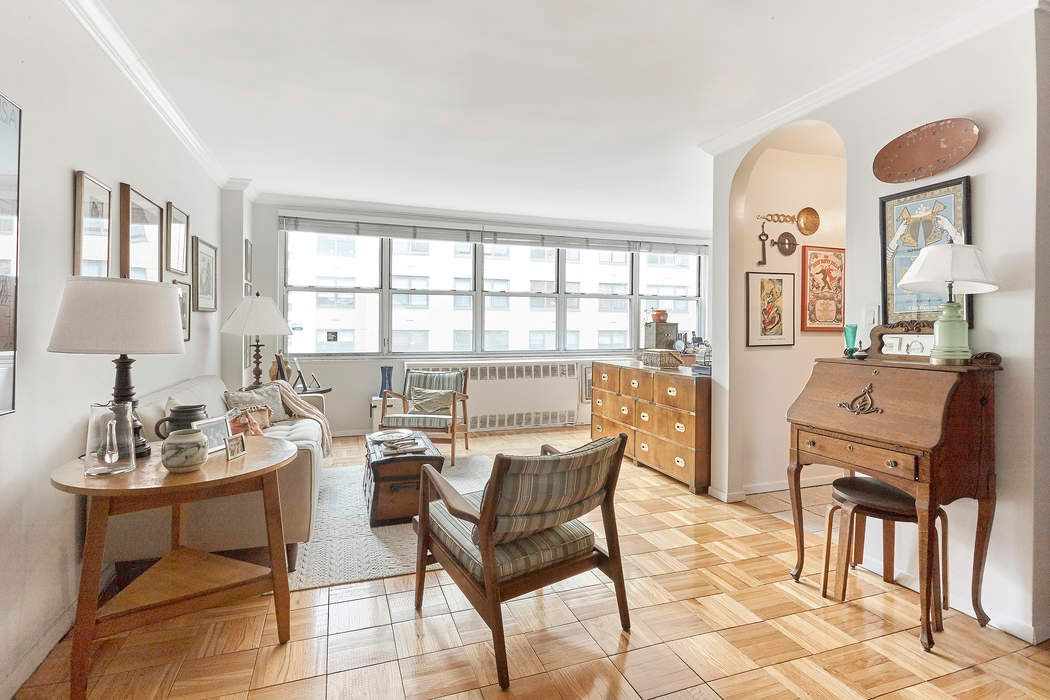 310 East 70th Street Apt 8B