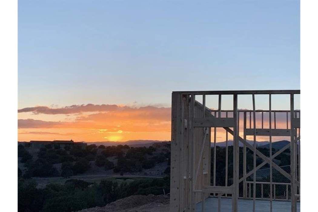 9 Zacate Verde Santa Fe, NM 87506