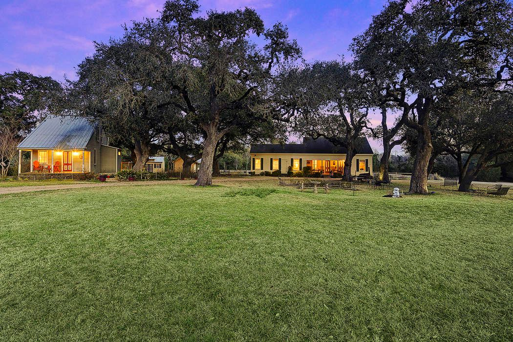 509 North Live Oak Round Top, TX 78954