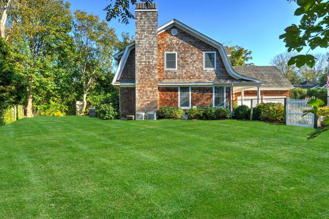 121 Pantigo Road (Deep Flag Lot) East Hampton, NY 11937