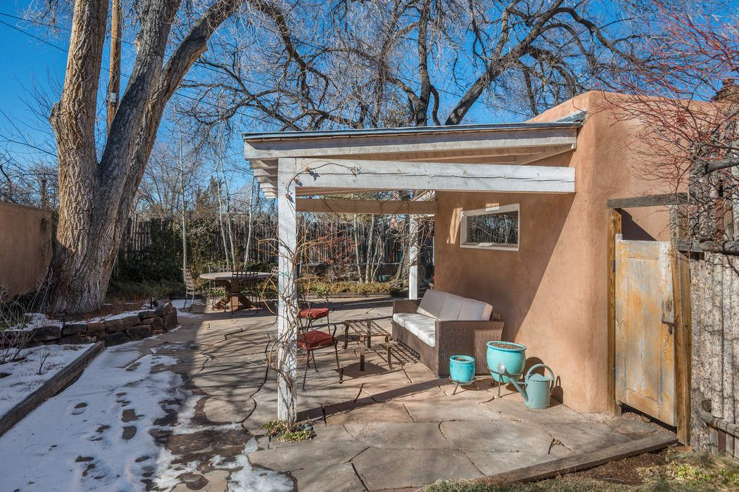 656 1/2 Canyon Rd Santa Fe, NM 87501