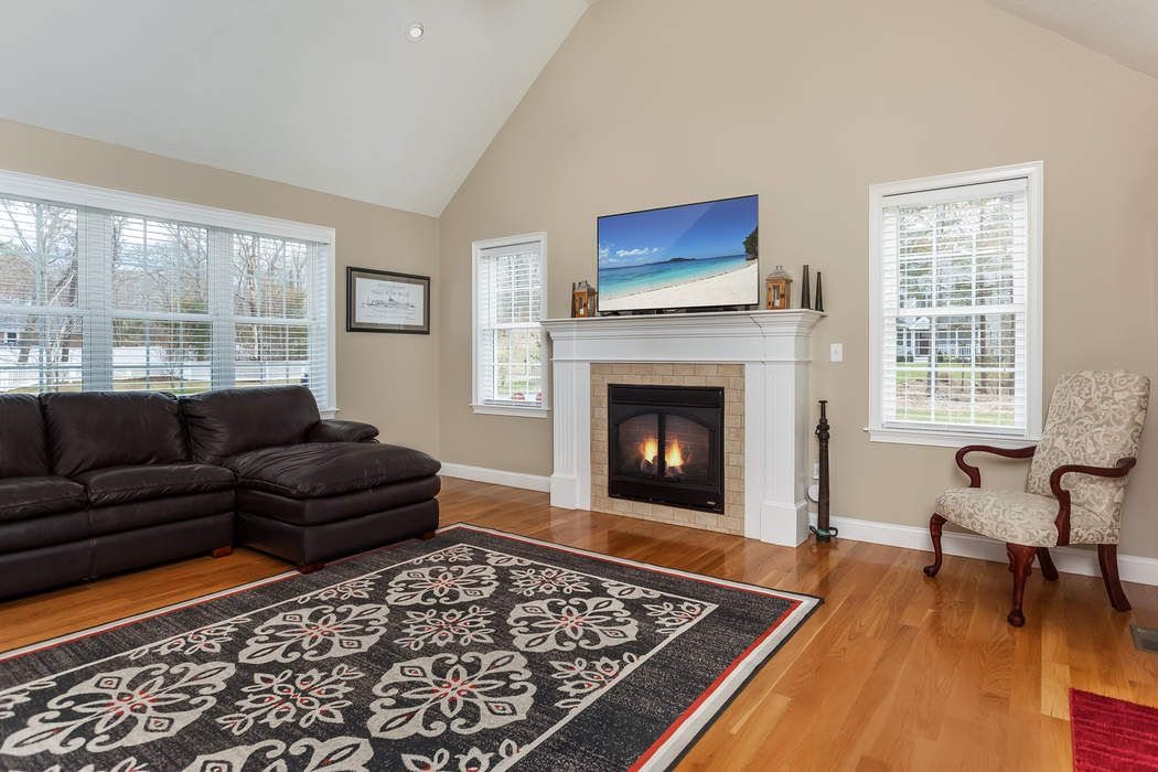 31 Anderson Way Plymouth, MA 02360